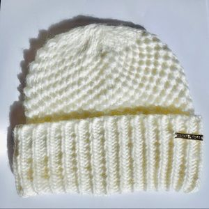🆕 MICHAEL KORS chunky sweater stitch beanie
